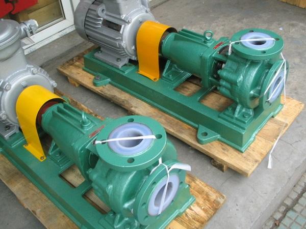 Bơm nước bền bỉ với máy bơm hoá chất công nghiệp