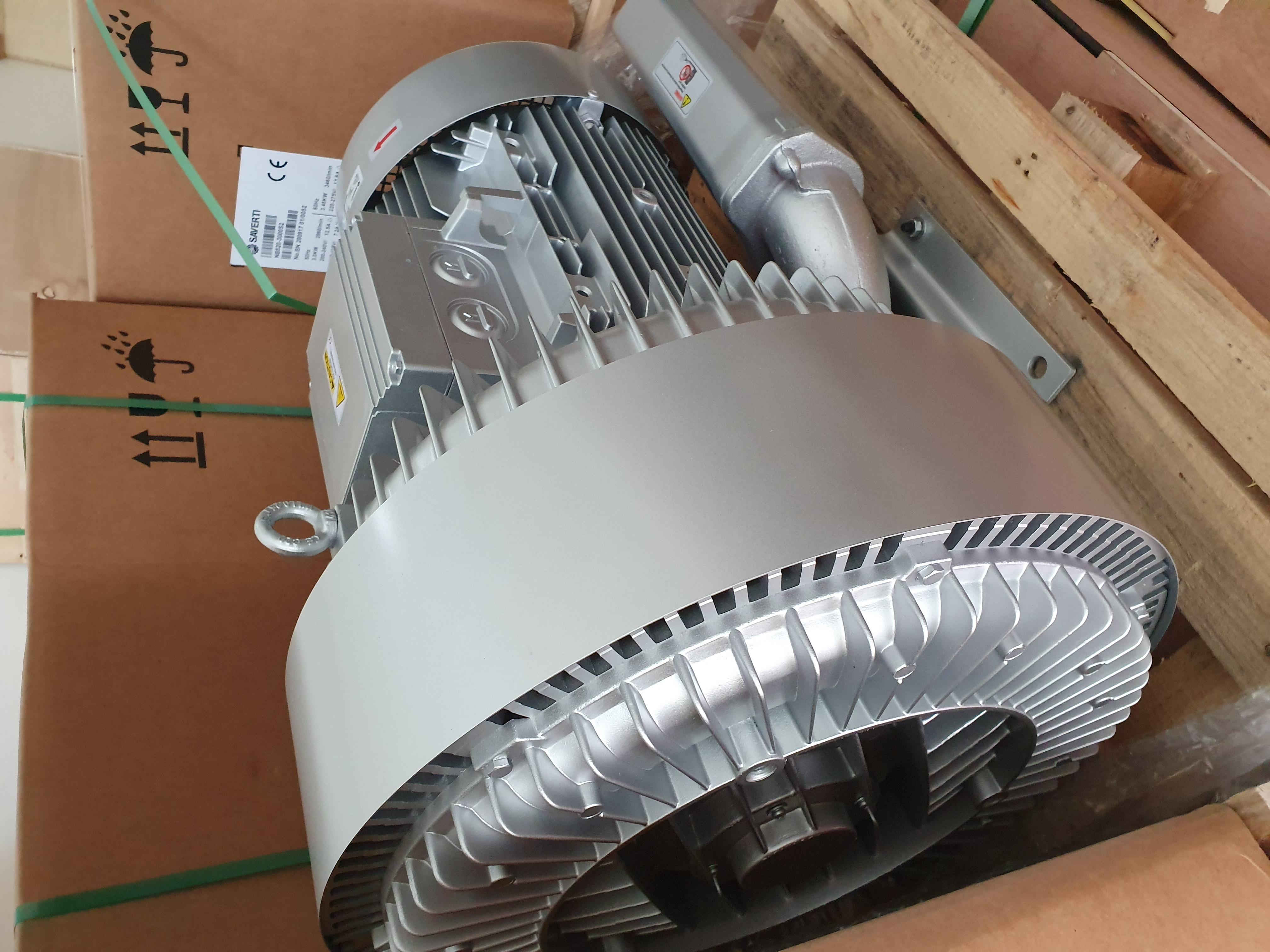 Máy thổi khí con sò Saverti model: SB510-1100