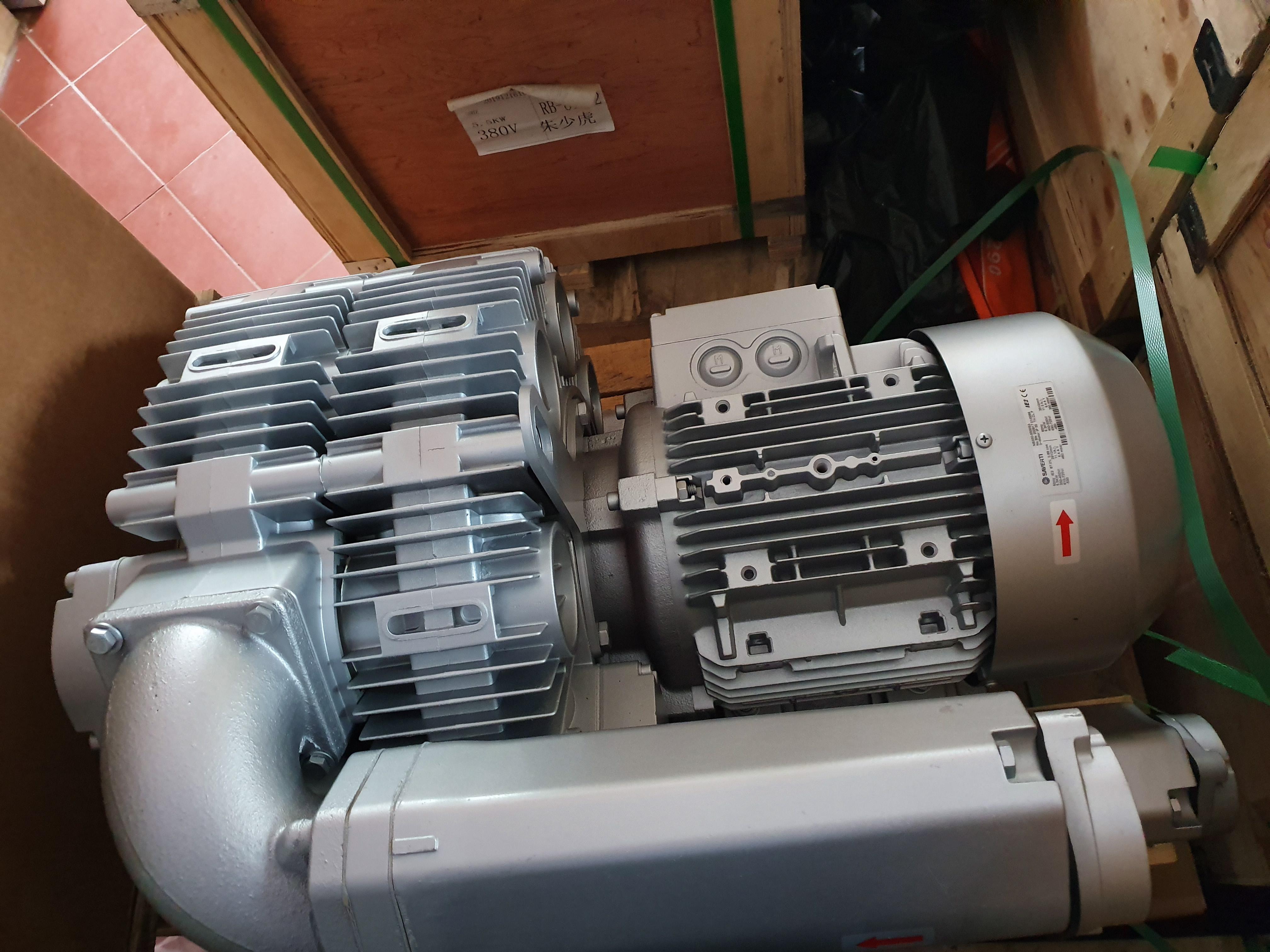 Máy thổi khí con sò Saverti model: SB810-7500S, công suất 7.5kw