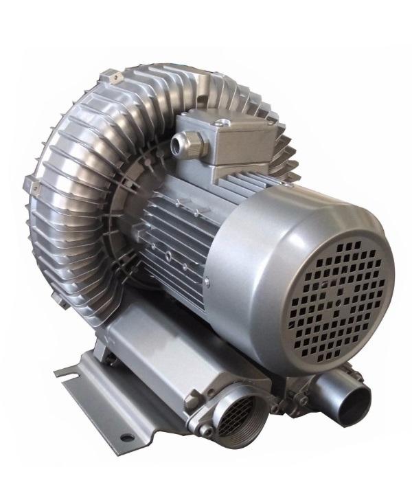 Máy thổi khí tạo oxy giúp tôm sinh trưởng tốt và hiệu quả cao